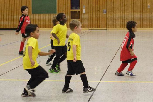 Bambini 2 im Spiel gegen TuS Essen-West 81 (Foto: b.b.).
