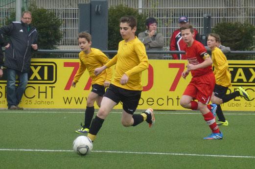 Fünfter Sieg im fünften Spiel: TuS D1-Jugend im Heimspiel gegen den SV Borbeck. - (Foto: mal).