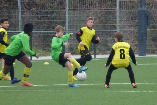 D-Jugend beim 4:0 Erfolg gegen Eintracht Borbeck. Rachid, Julien und Felix (Foto: mal).
