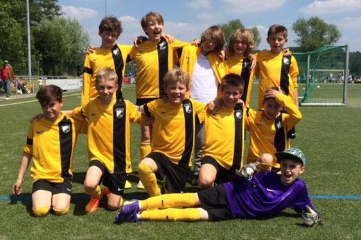 Dritter Platz für die TuS E1-Jugend in Mintard. - Fotos: p.d.