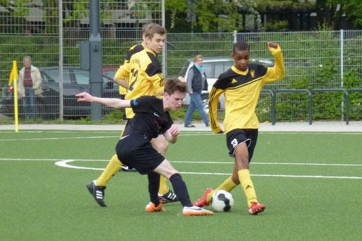 TuS B-Jugend im Spiel gegen die SG Kupferdreh-Byfang. - (Foto: mal).