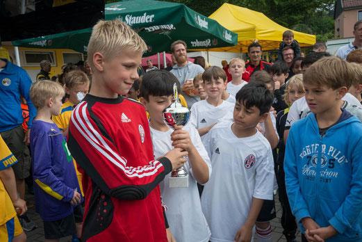 Turniersieger SpVgg. Steele 03/09, Siegerehrung. - Fotos: r.f.