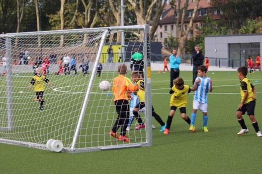 TuS F1-Jugend (A) - FC Saloniki Essen (17:2.), Bäuminghausstraße, 13.09.2014. - Fotos: a.k.