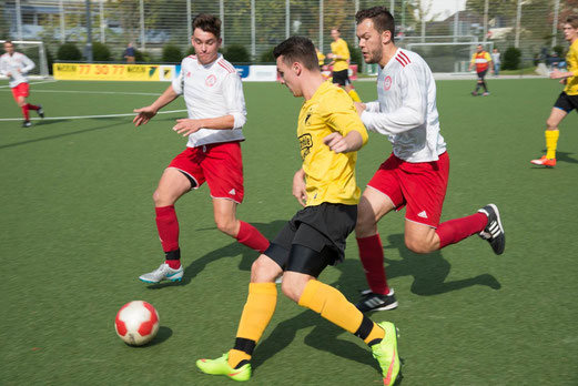 Zweite Mannschaft im Spiel gegen TuSEM 3 (7:1), Pelmanstraße, 04.10.2015. - Fotos: r.f.