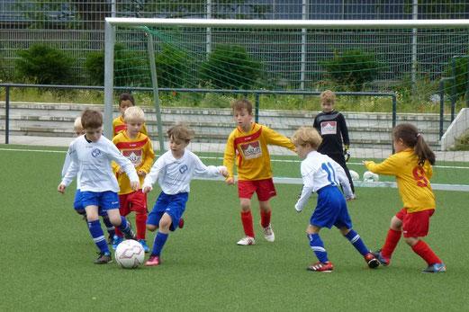Bambini 1 Treff: VfL 95/13 Rheinhausen - SV Burgaltendorf II. (Foto: mal).