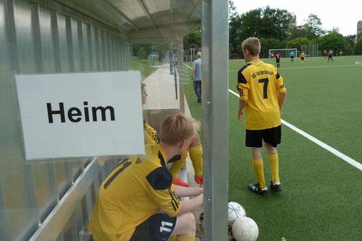 """""""Neue"""" B1-Jugend im Testspiel gegen Meiderich 06/95 an der Pelmanstraße. - (Foto: nal)."""