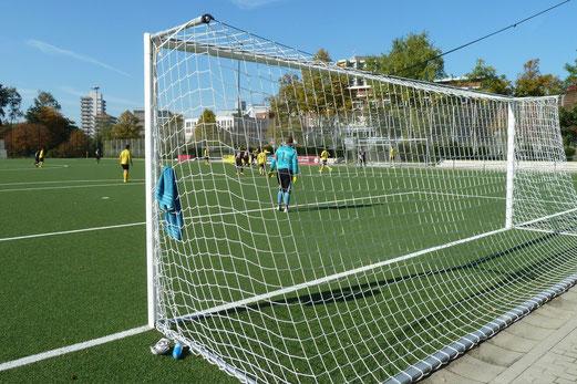 """Vierte Mannschaft gegen Rot-Weiss Essen """"Dritte"""". - Fotos: mal."""