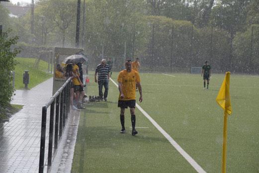 Regen an der Pelmanstraße - Wetter und Ergebnis ließen bei der II. zu wünschen übrig...