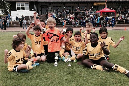 Freude trotz Finalniederlage: Platz 2 für die Bambini 1 beim Turnier des CSV Marathon Krefeld. - (Foto: c.k.).