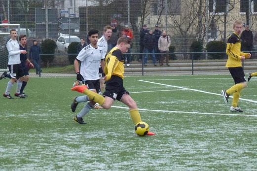 Traf zur 1:0 Führung: Floris Brandenberg im Spiel der B1-Jugend gegen VfL Rhede. - Foto: mal.