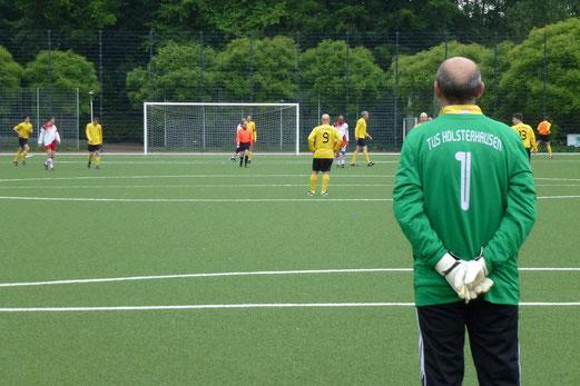 Doch nur ein vorübergehend geruhsamer Nachmittag: Alte Herren 1 im Spiel gegen Hamborn (Foto: mal).