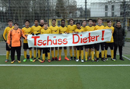 "Die C2 sagt ""Tschüss Dieter"" (Foto TuS Holsterhausen)"