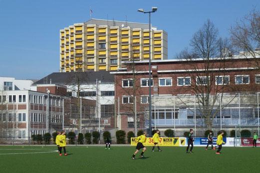 Ideales Fußballwetter am Samstag: TuS E3 im Spiel gegen den Vogelheimer SV. - (Foto: mal).