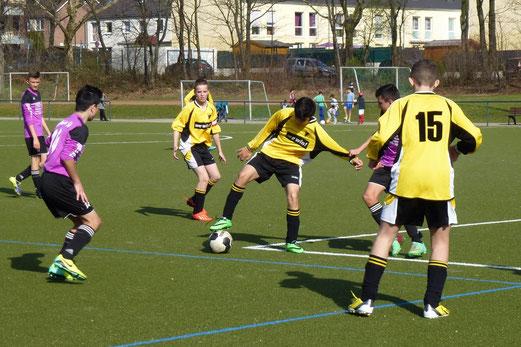 TuS C-Jugend im Auswärtsspiel beim Vogelheimer SV. - (Foto: mal).
