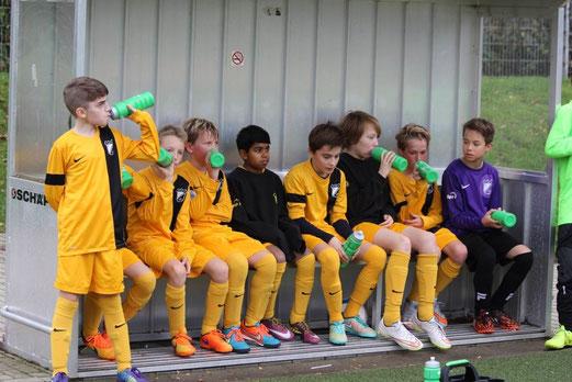 TuS D2-Jugend im Spiel gegen die D2 des VfB Frohnhausen. - Fotos: p.d.