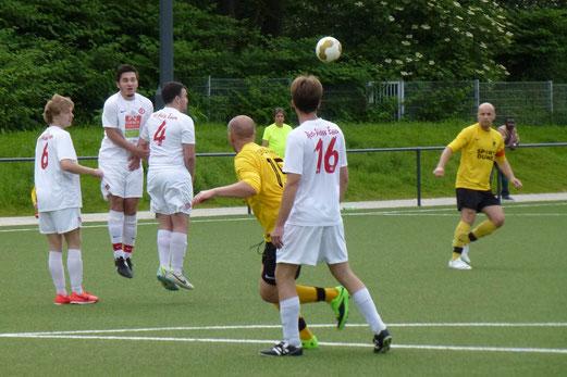 Kaum jemand war versessen auf Rot-Weiss Essen: Dritte Mannschaft im Spiel gegen RWEs Dritte. - (Foto: mal).