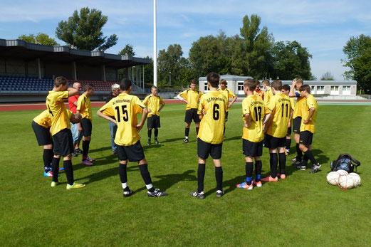 "TuS B-Jugend im Stadion ""Am Hallo"" (Foto: mal)."