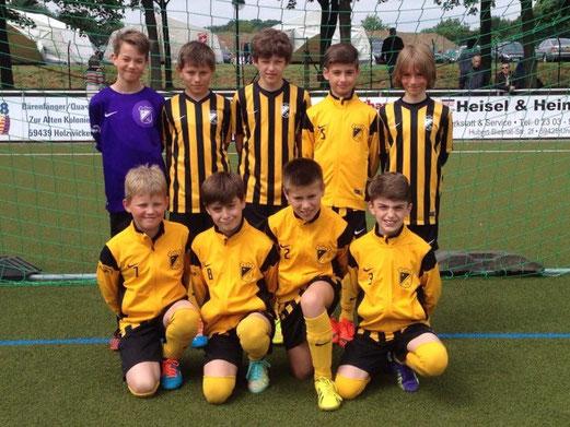 TuS E1-Jugend am Sonntagmorgen beim Westfalen-Cup in Holzwickede. - Foto: mannschaft.