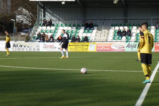 TuS B-Jugend beim Auswärtsspiel in Schonnebeck. - (Foto: mal).