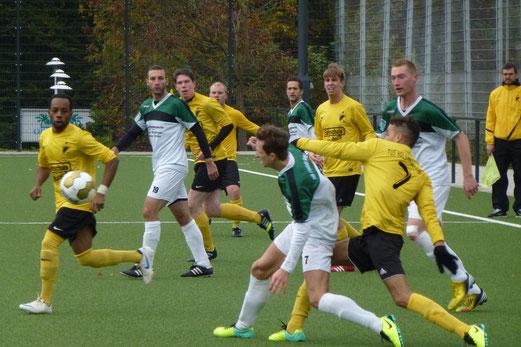 1. Mannschaft im Spiel gegen den SC Phönix (Foto: mal).