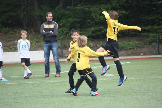 F1-Jugend im Auswärtsspiel bei der F2 der SG Schönebeck (Foto: o.k.).