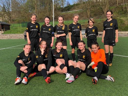 Die TuS Mädels beim 3:2 Auswärtssieg gegen SuS Niederbonsfeld - 14.04.2018