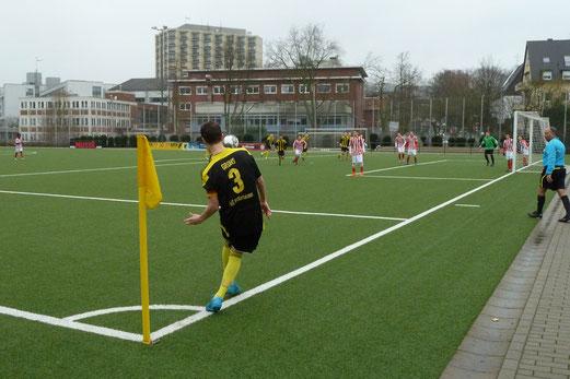 TuS A-Jugend im Vorbereitungsspiel gegen SV Langendreer 04. - Fotos: mal.