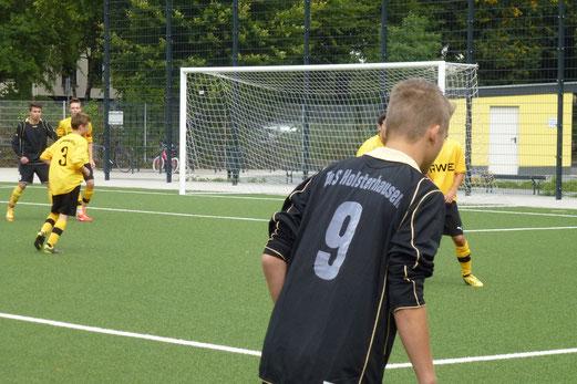 TuS B-Jugend im Spiel gegen den FC Karnap (Foto: mal).