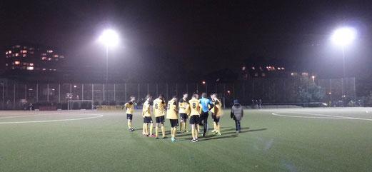 Vor dem Elfmeterschießen: B1-Jugend im Viertelfinalspiel des Kreispokals gegen ESC Preußen. - Foto: mal.