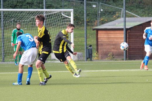 TuS A-Jugend im Spiel bei ESG 99/06. - Foto: abo.