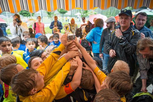 TuS F2-Jugend, Zweiter des F2-/F3-Jugend Turniers: - Foto: r.f.