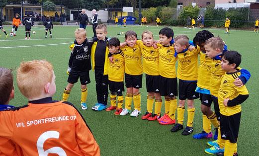 TuS F3-Jugend im Spiel gegen die F2 von Sportfreunde 07. - Foto: taki.