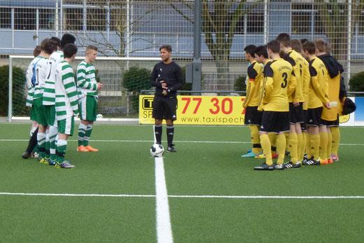 Vor dem Anpfiff: TuS B-Jugend im Testspiel gegen SV Borbeck. - (Foto: mal).