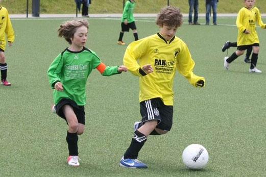 F1-Jgd. Turnier: TuS Holsterhausen - DJK Eintracht Borbeck (Foto: p.d.).
