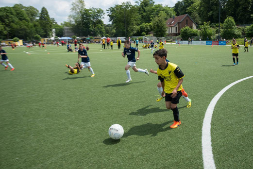 TuS F1-Jugend im Spiel gegen DJK Eintracht Erle. - Foto: r.f.