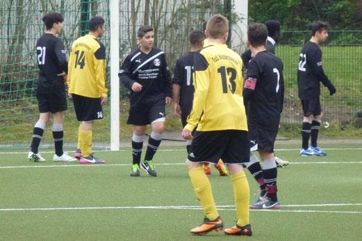 Der Gegner gab nach 23 Minuten auf: TuS B-Jugend im Auswärtsspiel beim SC Phönix. - (Foto: mal).