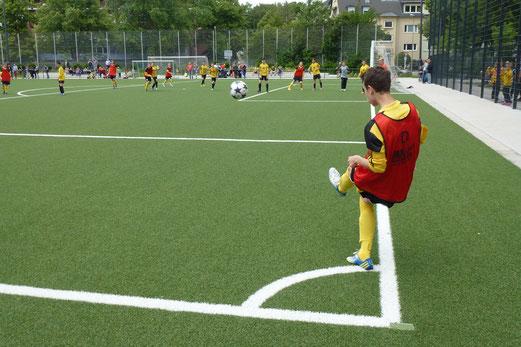 Ecke für die TuS C-Jugend im Freundschaftsspiel gegen VfL Sportfreunde 07 (Foto: mal).