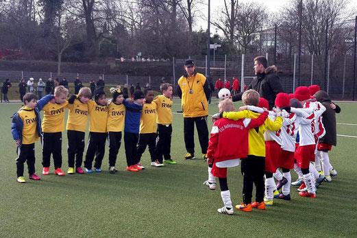 TuS F3-Jugend im Heimspiel gegen die F3 des ESC Rellinghausen 06. - Fotos: tisa.