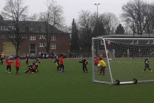 TuS Bambini 1 im Auswärtsspiel am Fibelweg. - (Foto: b.b.) - 01.02.2014.