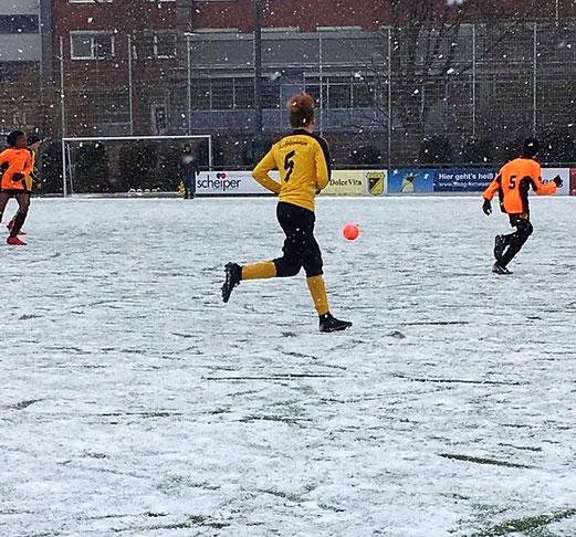 C2 beim Schneefußball an der Pelmanstraße (Foto S. Tiggemann)