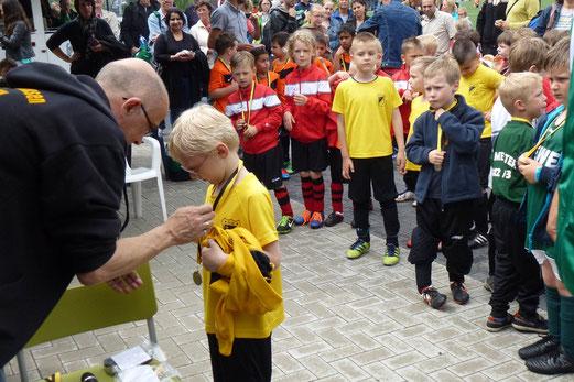 Bambini 1 Treff: Medaillenvergabe (Foto: r.k.).