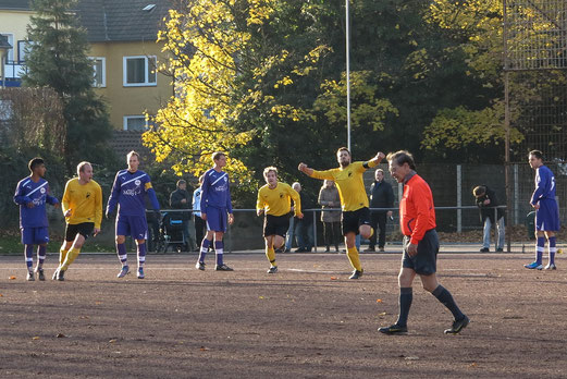 Torjubel nach der 1:0 Führung: Zweite bei TuRa 86 II. - Endstand: 1:1 (Foto: r.f.)