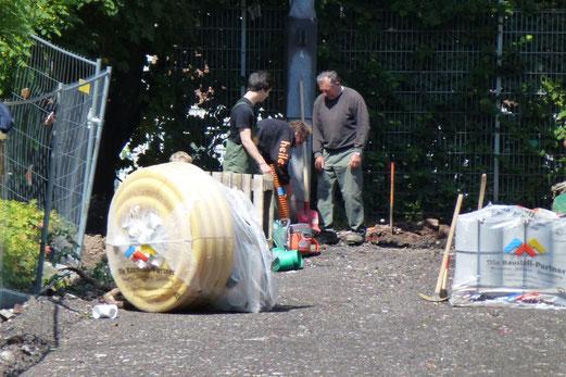 30.07.2012: Men at work (Foto: mal).