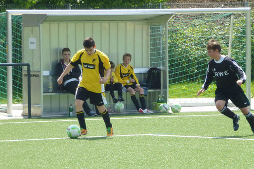 Noch einer der Besten: Kriste Dushaj im Spiel der TuS C-Jugend gegen den FC Stoppenberg. - (Foto: mal).