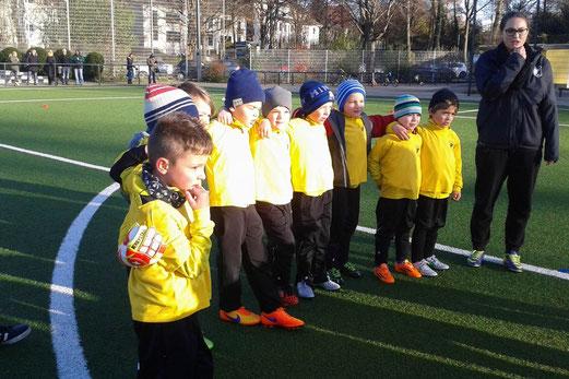 TuS Bambini 1 im Spiel gegen Adler Union Frintrop an der Pelmanstraße. - Foto: tisa.