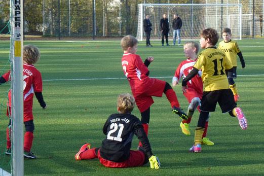Ungefährdeter Heimsieg: TuS E2-Jugend gegen TuSEM E4. - Foto: mal.