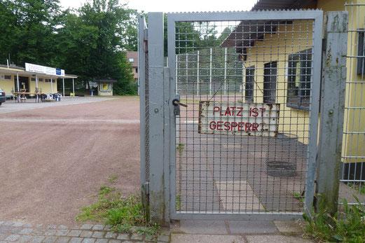 06.07.2012: Der Platz ist gesperrt. (Foto: mal)
