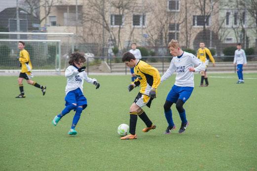 TuS C-Jugend im Heimspiel gegen den VfB Frohnhausen. - (Foto: r.f.).