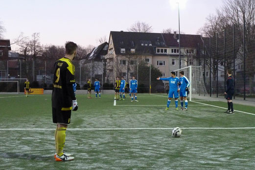TuS A-Jugend im Spiel gegen die SG Schönebeck. - Fotos: mal.