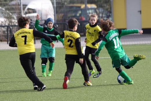 Knappe Niederlage: TuS E2-Jugend im Heimspiel gegen die E3 der SpVgg. Schonnebeck. - (Foto: p.d.).